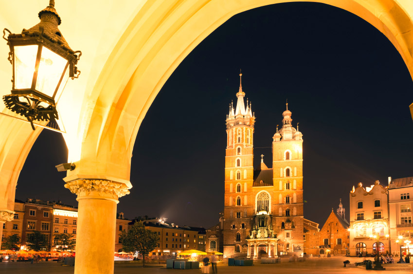 cracovia_by_night